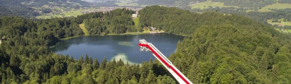 Skiflugschanze mit Blick auf Oberstdorf