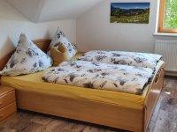 Schlafzimmer 2 mit HD Smart TV