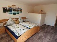 Schlafzimmer 1 mit HD Smart TV