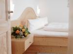 Schlafzimmer Fw. 2 u. 4