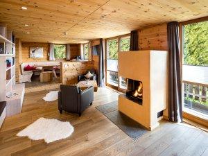 Bergmomente genißen - Wohnzimmer in der Lodge Säuling