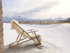 Winterstimmung auf der Terrasse in der Lodge Edelsberg