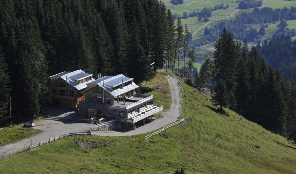 Sportheim Böck - Ihr Lodge Urlaub am Gipfel der Alpspitze