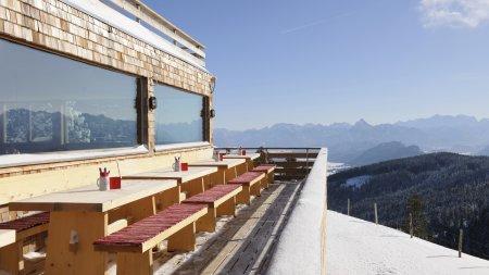 Sportheim Böck Terrasse Schnee