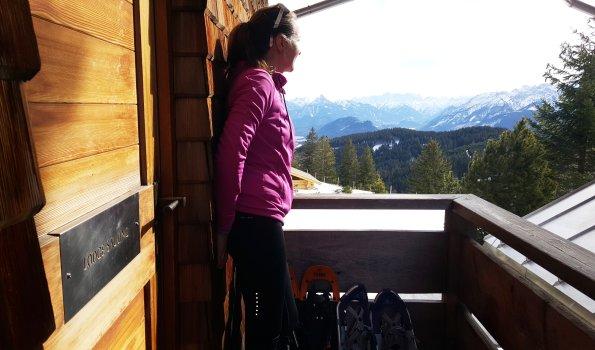Susann auf dem Balkon