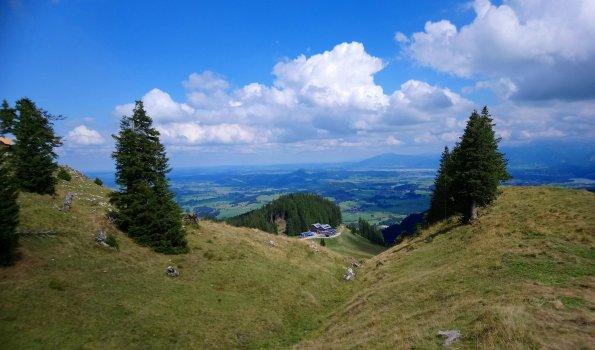 Blauer Himmel, grüne Berge - Willkommen im Allgäu!