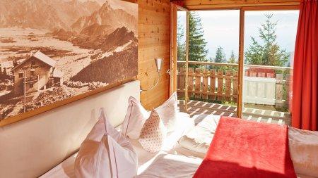 Warme Atmosphäre aus Holz in Ihrem Schlafzimmer beim Sportheim Böck