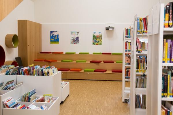 Stadtbücherei St. Veit Leseecke Kinder