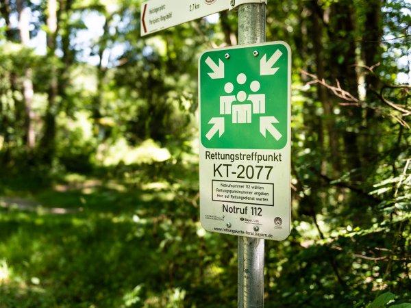 Schild Rettungskette Forst