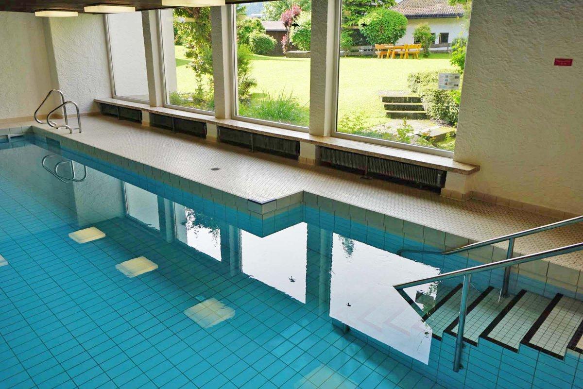 Schwimmbad Im Keller ferienwohnung allgäu mit hallenbad in obermaiselstein