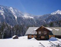 Auenhütte am Ifen, das Walmendingerhorn rechts im Hintegrund