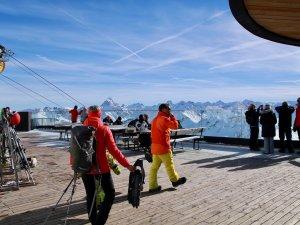 Ski- und Schneeschuh