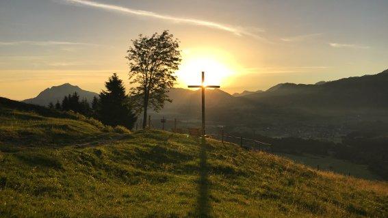 Sonnenaufgang am Sonderdorfer Kreuz