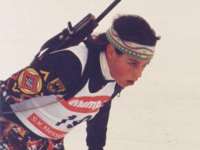 Im Jahr 1996 wird Mira Kuisle Deutsche Meisterin im Biathlon