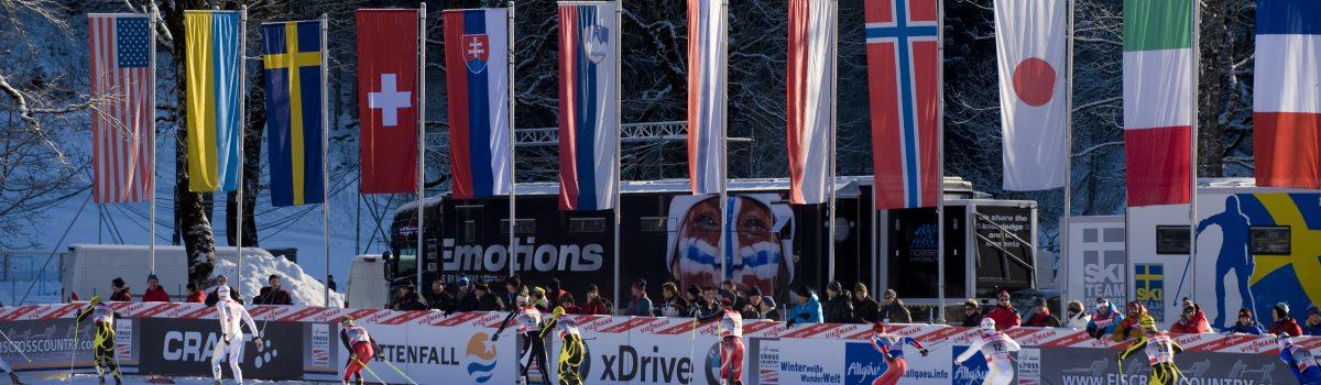 Läufer im Durchlauf im Stadion