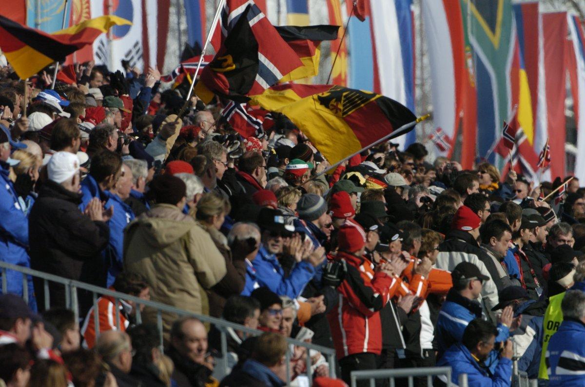 Zuschauer im Stadion