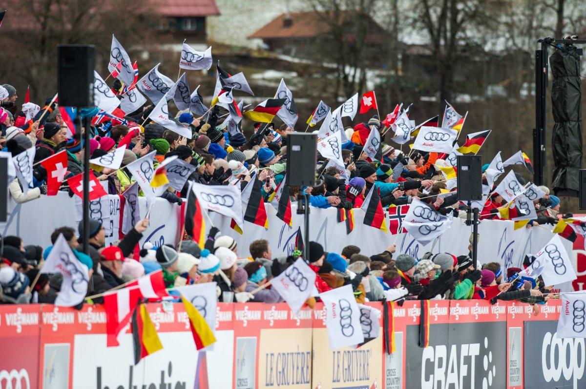 Begeisterte Zuschauer im Stadion