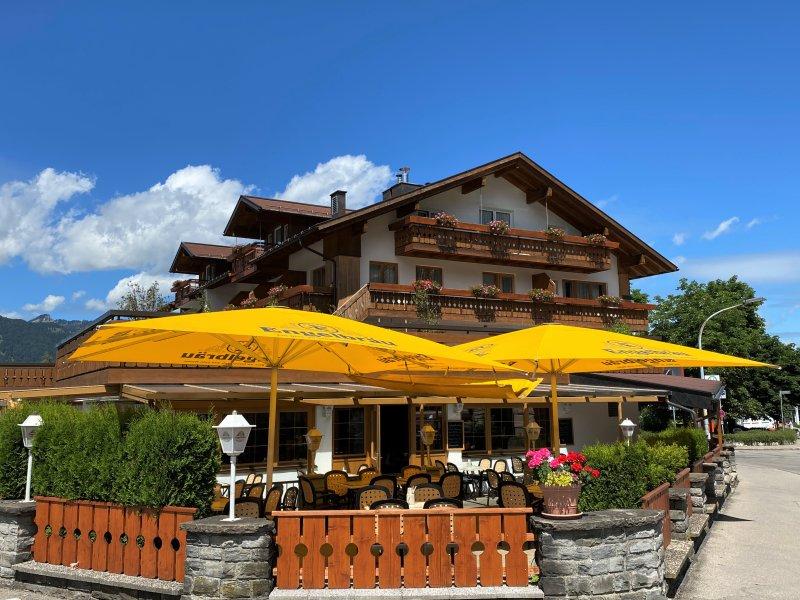 Hotel mit Gartenterrasse