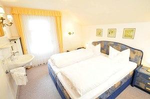 Wohnung 1 - Schlafzimmer