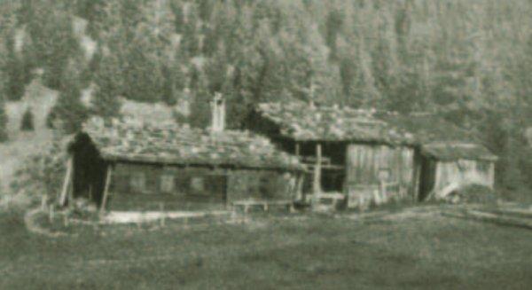 Haus mit Stall - Heft 71