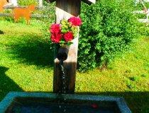 Unser geschmückter Dorfbrunnen