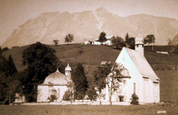 Lor Kapellen von Westen
