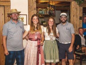 Die Siegerinnen: 1. Melanie Ziegner (rechts) mit Schwester Monja (links, 2. Platz)