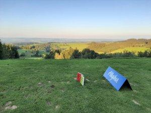 Blick mit Abendsonne vom höchsten Abschlag Deutschlands