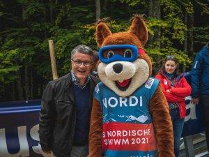 Nordi mit Moderator Bernd Schmelzer