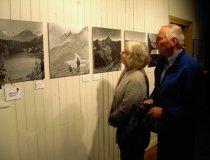 Besucher der Ausstellung Lala Aufsberg