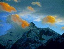Winfried Egger, Trettachspitze umhüllt von gelben Wolken