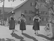 Lala Aufsberg, Trachtenfest Altstädten 1939