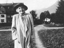 Gertrud von le Fort am Weg, 1951