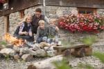 Lagerfeuer-Romantik mit der Familie auf der Wannenkopfhütte