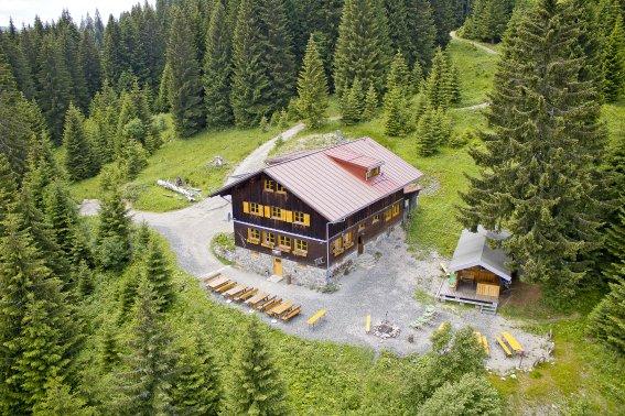 In toller Alleinlage - die Wannenkopfhütte im Allgäu