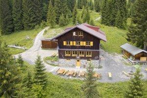 Die Natur direkt vor der Haustür - das hast Du bei uns auf der Wannenkopfhütte!