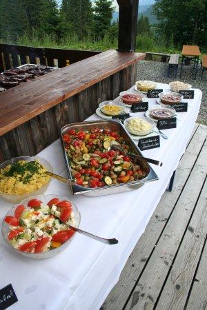 Eine bunte Salat-Vielfalt zum Dahinschmelzen