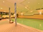 Großes Schwimmbad mit 12 x 5m