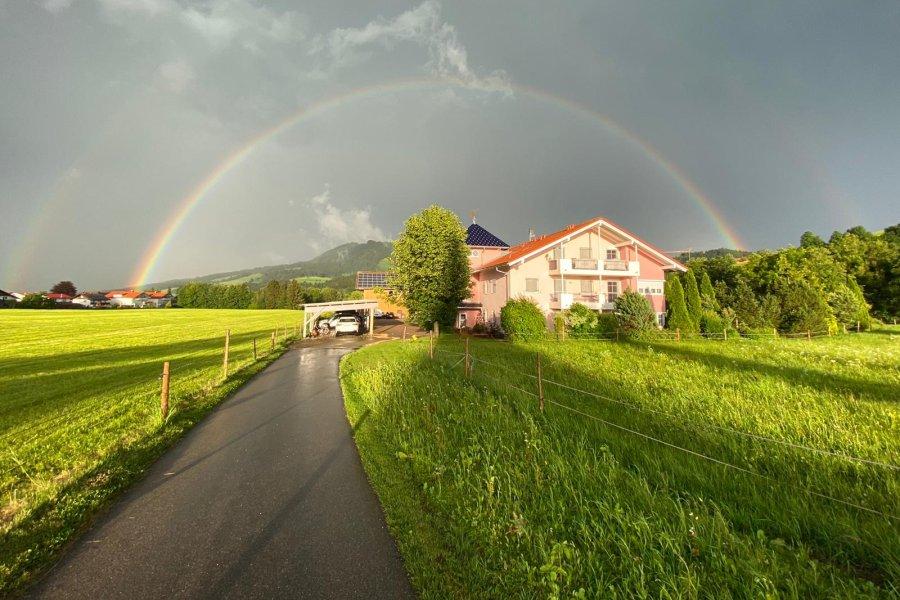 Regenbogen im Wellnesshof Blenk - 5 Sterne Ferienwohnungen in Wertach im Allgäu