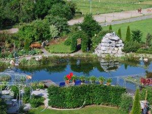 Erholen Sie sich in unserem Garten - Wellnesshof Blenk - 5 Sterne Ferienwohnungen in Wertach im Allgäu