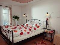 Granat Schlafzimmer - Wellnesshof Blenk - 5 Sterne Ferienwohnungen in Wertach im Allgäu