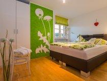 Smaragd Schlafzimmer - Wellnesshof Blenk - 5 Sterne Ferienwohnungen in Wertach im Allgäu