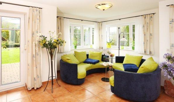 Lapis-Lazuli Wohnzimmer - Wellnesshof Blenk - 5 Sterne Ferienwohnungen in Wertach im Allgäu