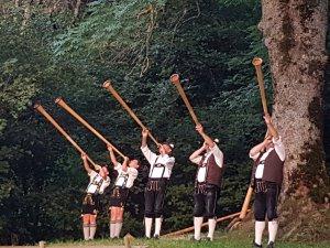 Alphornbläser - Wellnesshof Blenk - 5 Sterne Ferienwohnungen in Wertach im Allgäu