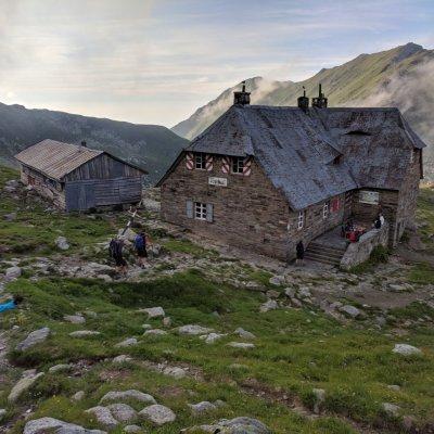 Hütte Podragu