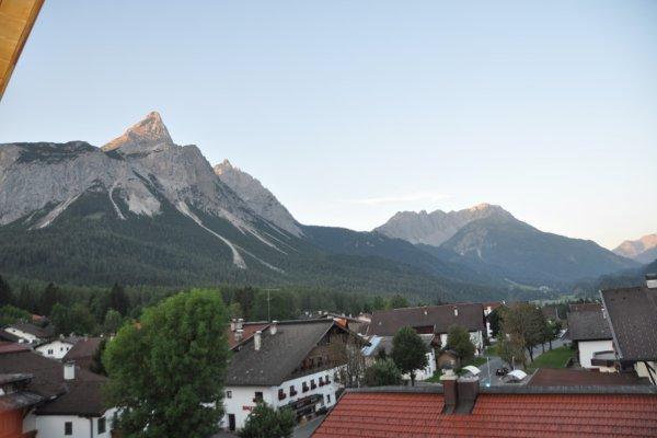 Blick aus dem Hotelfenster auf Ehrwald