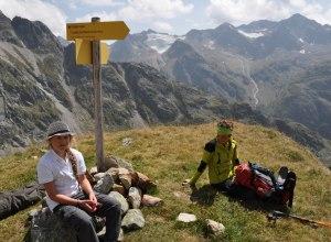 Rast mit Blick auf die Stubaier Alpen