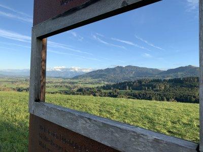 Auf dem Panoramaweg in Mittelberg
