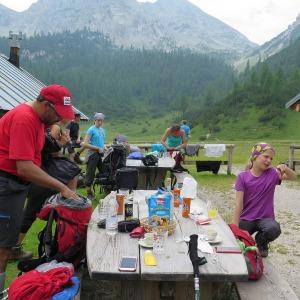 Brenta - Pause bei der Hütte Malga Spora
