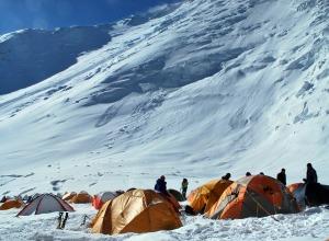 Lager im Schnee